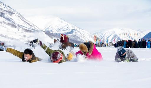 業內人士提(ti)醒︰冬季(ji)冰雪旅游應做好安全防護
