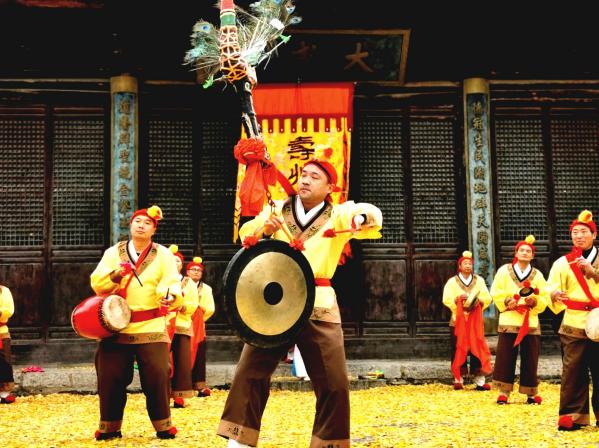 """壽州鑼(luo)鼓(gu)作品摘得中(zhong)國民(min)間文藝最高獎——""""山花獎"""""""