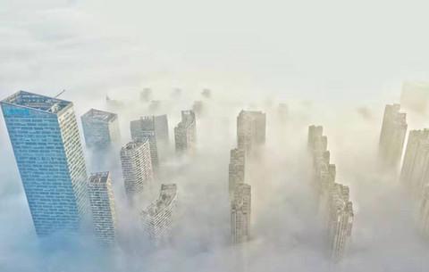 """航拍:""""霧""""入合肥 猶如""""天空之城"""""""