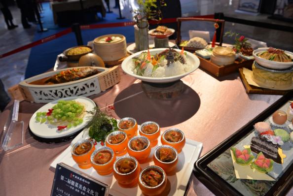 第二屆徽菜(cai)美食文化節在黃山舉行(xing)