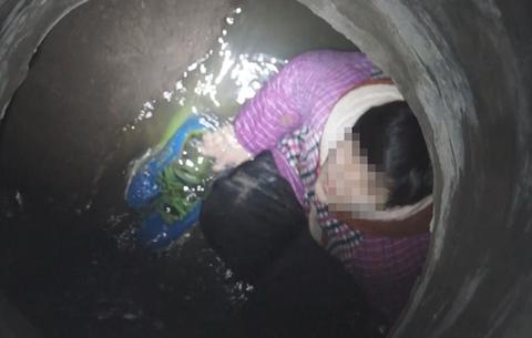 12歲(sui)男孩不慎墜(zhui)落窨井 消防員緊急救援(yuan)