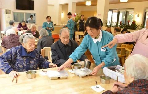 合肥建成200多個養老xian)zhu)餐機構