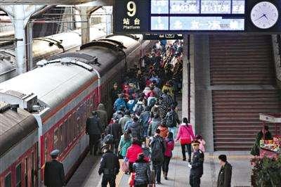 長三角鐵路春(chun)運首日發送旅客227.4萬人次