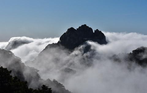 延時攝影:絕美!流雲飛瀑現黃山