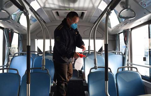 公交司機夏力:穿越城市的堅守
