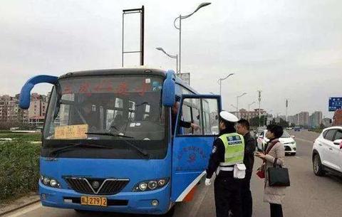 安徽省啟動跨省客運包車幫助農民工返崗