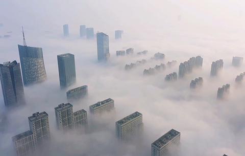 航拍:雲端上的城市
