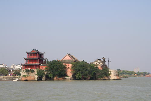 巢(chao)湖(hu)姥山島景(jing)區3月(yue)18日恢(hui)復開放