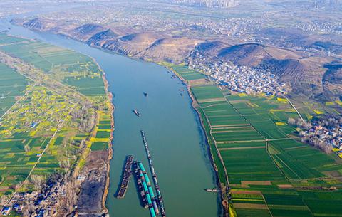 航拍:淮河春早