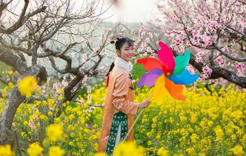 花開三(san)月(yue)踏(ta)春來