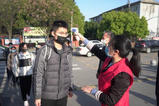 銅陵︰高三學生(sheng)返校復課 做好(hao)防疫備戰高考