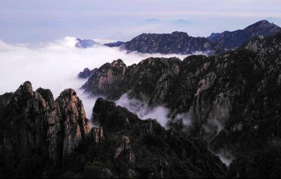 """夢筆shi)唇痍 /></a><p>黃山的美是(shi)整體的美、是(shi)充(chong)滿陽剛之氣(qi)的壯(zhuang)美。""""五岳歸來不看山,黃山歸來不看岳"""",而每次上黃山時(shi)看到的景ba) 膊煌耆 謊/p><span>2020-06-01</span></li><li><h3><a href="""