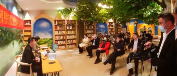 合肥一六八玫瑰園學校舉行書(shu)香家庭分享會(hui)