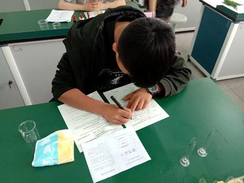 合肥市2020年初中學業水平實(shi)驗操(cao)作考試(shi)︰題量由10題減(jian)少為6題