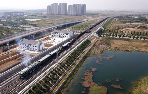 合安高鐵長鋼軌供軌結束