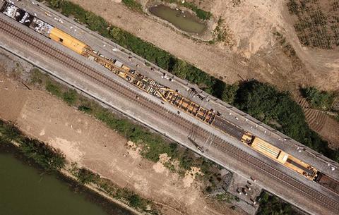 鐵路換枕 護航暑(shu)運