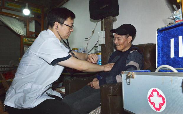 柯道正:一名駐村醫生的初心守護