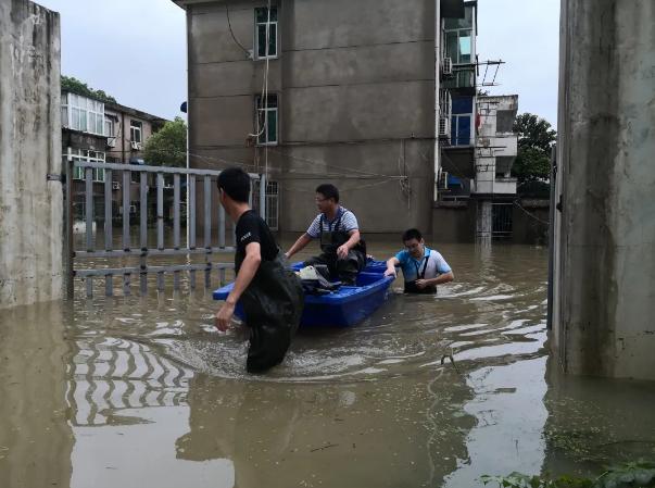 洪水不退 我們不退