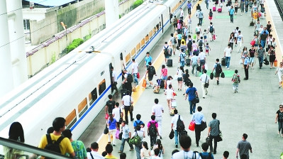 暑運過半 長三角鐵路發送旅客4684.1萬人次