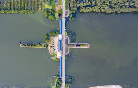 航拍:東淝閘開啟 向淮河排澇