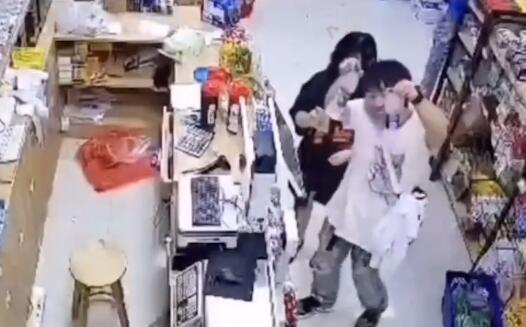 """社區小店上演暖心""""情景劇"""""""