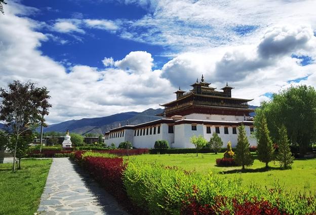 著力'四聚焦四促進',引領山南旅遊走出西藏、走向全國。
