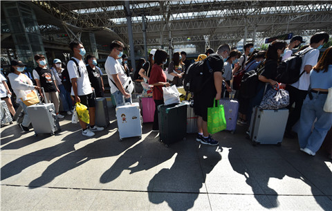 長三角鐵路迎來學生客流高峰