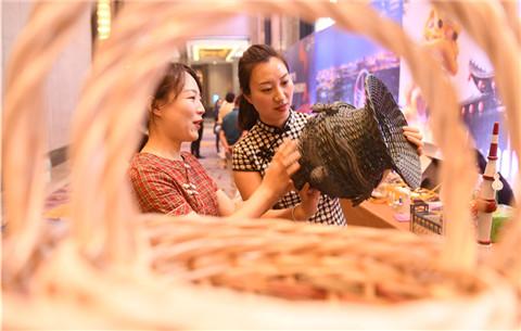 安徽阜陽:特色旅遊商品展魅力