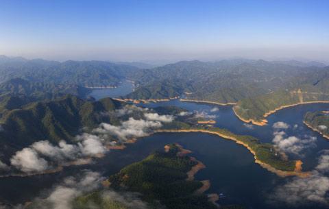 安徽霍山:綠水青山帶笑顏