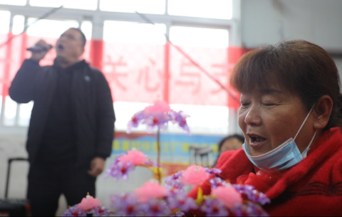 【決勝2020】微視頻:扶貧車間裏的歌聲