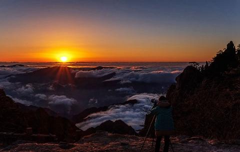 黃山:雲海日出 朝霞滿天