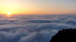 延時攝影:震撼!壯麗日出 雲上山海