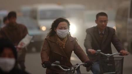 爆表!安徽北部多城市遭遇十年最強沙塵天氣