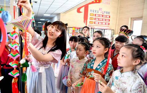 安徽亳州:多彩民俗迎端午